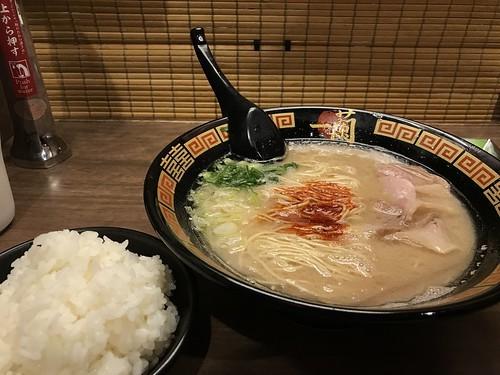 大阪の人気ラーメン17選!!絶対間違いなしの有名店やおすすめの穴場は?