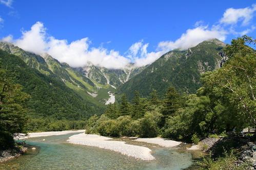 長野といえば上高地!アクティブなハイキング派とのんびり観光派の楽しみ方は?