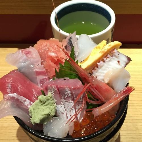 札幌のデカ盛り・大盛を徹底紹介!定番のラーメンから海鮮やスイーツまで