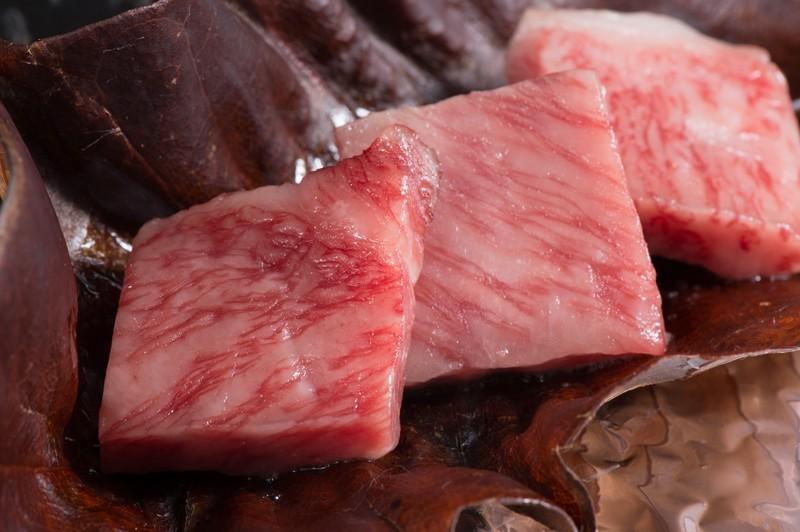 東京で人気の鉄板焼きの名店13選!記念日にもおすすめのレストランは?