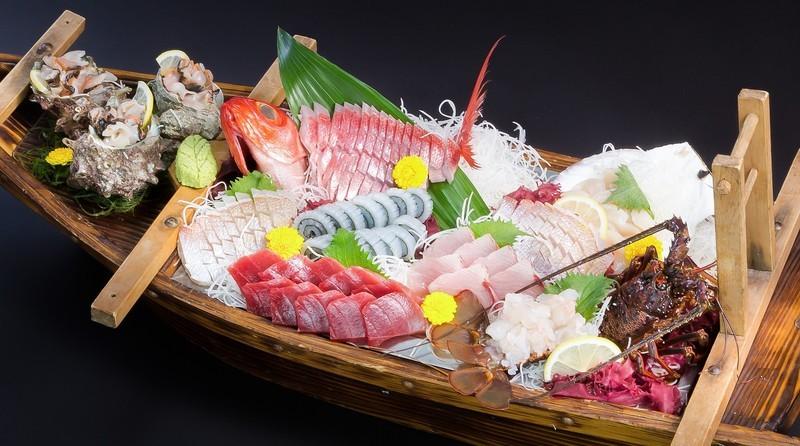 高知の黒尊は予約が取れない超人気店!お任せ魚料理は地元でも大絶賛!