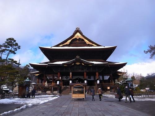 長野のパワースポット善光寺へ!見どころや周辺のおすすめ観光スポットは?