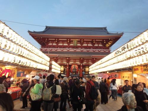 浅草の夜を過ごすおすすめ観光スポット11選!デートにも最適なのは?