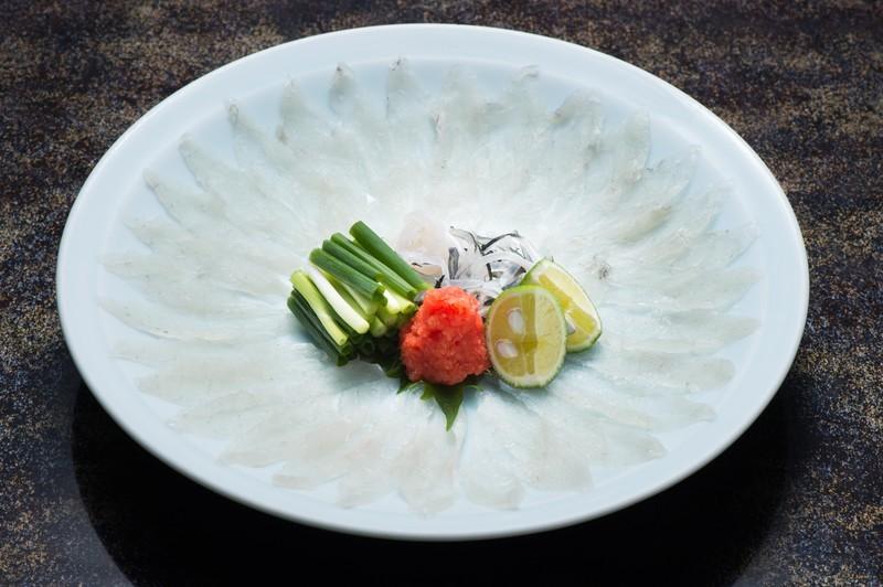 大阪はふぐ料理もおすすめ!グルメ絶賛の名店から安くて旨い穴場の耳より情報も