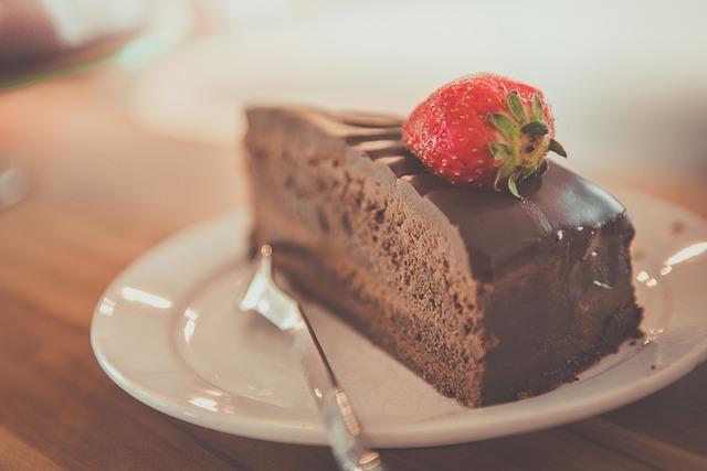 天神で美味しいケーキを食べよう!かわいいカフェやイートインスペースのある店も