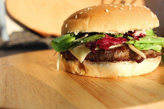梅田のおすすめハンバーガー17選!人気の専門店やテイクアウトOKのお店も