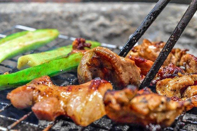 神保町食肉センターはランチが美味しい人気店!行列必至の食べ放題とは?