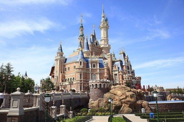 週末は「上海ディズニー」で1泊2日の小旅行へ!人気のお土産やアクセスは?