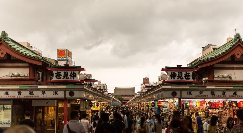 仲見世通りは浅草観光の定番スポット!歴史やおすすめのお土産をご紹介