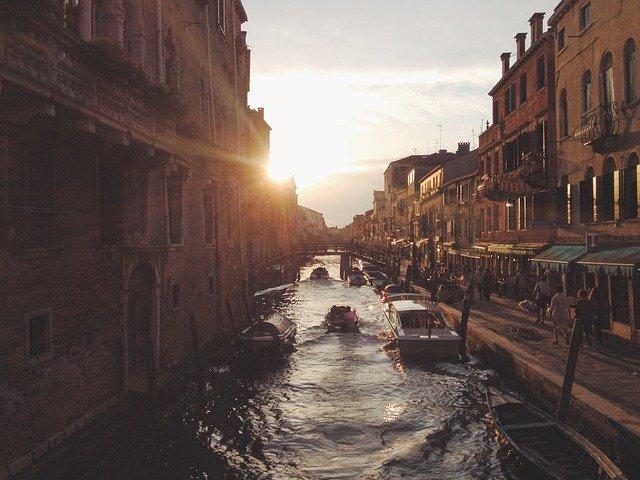アクアアルタを体験しにベネチアへ行こう!時期や長靴の有無についてまとめました