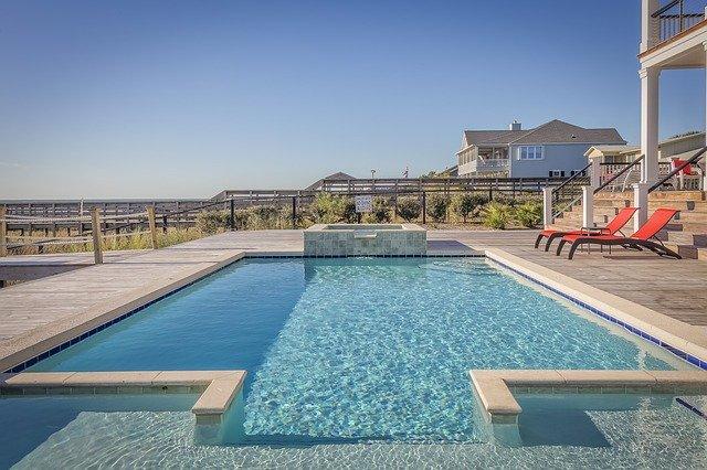 ハウステンボスの夏はナイトプール&プールで満喫!期間や値段に必要な持ち物まで