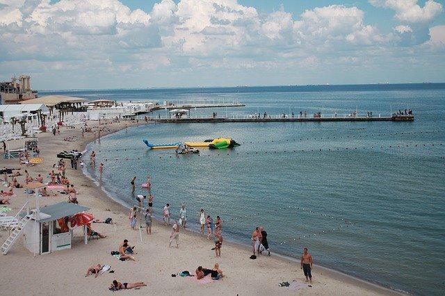 家族連れに人気の葉山・一色海水浴場へ!駐車場やアクセス情報まとめ