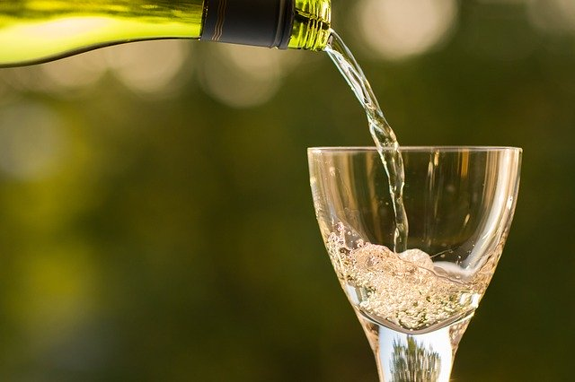 ディズニーランドで唯一お酒を飲めるレストランがある!その秘密や場所を一挙公開