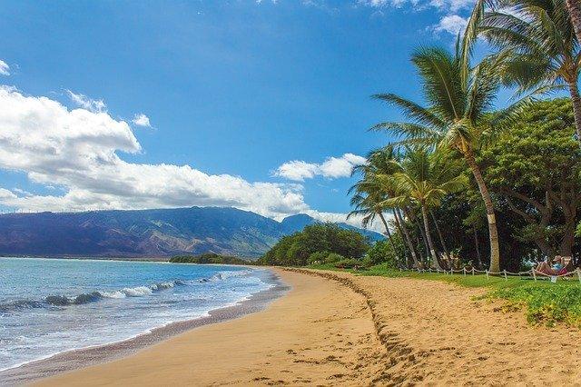 ハワイのベストシーズンを解説!観光や天体観測に最適な時期は?