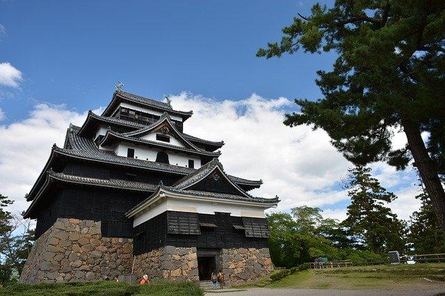 彦根城でもらえる赤備え御朱印が話題!周辺神社の情報もあわせて紹介