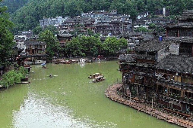鳳凰古城は中国で人気の観光スポット!行き方や美しい街を満喫するプランは?