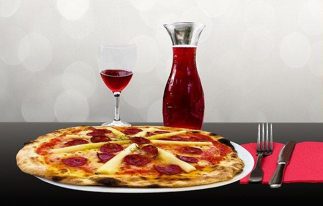 横浜駅周辺で食べたいピザ屋11選!人気の食べ放題ランチから持ち帰りまで紹介!