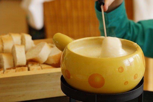 栄でチーズ料理を楽しめるお店11選!フォンデュやタッカルビが美味しい場所は?