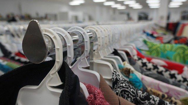 新宿の古着屋でお気に入りを探そう!メンズ・レディースどちらもおすすめの店は?
