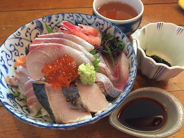 富山・氷見の魚市場食堂へ美味しい海鮮を食べに行こう!獲れたて新鮮な食材が豊富