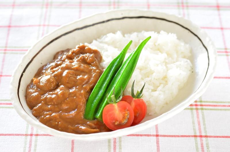 自由軒のカレーは大阪・難波の名物!レトルトでも楽しめる人気の味とは?