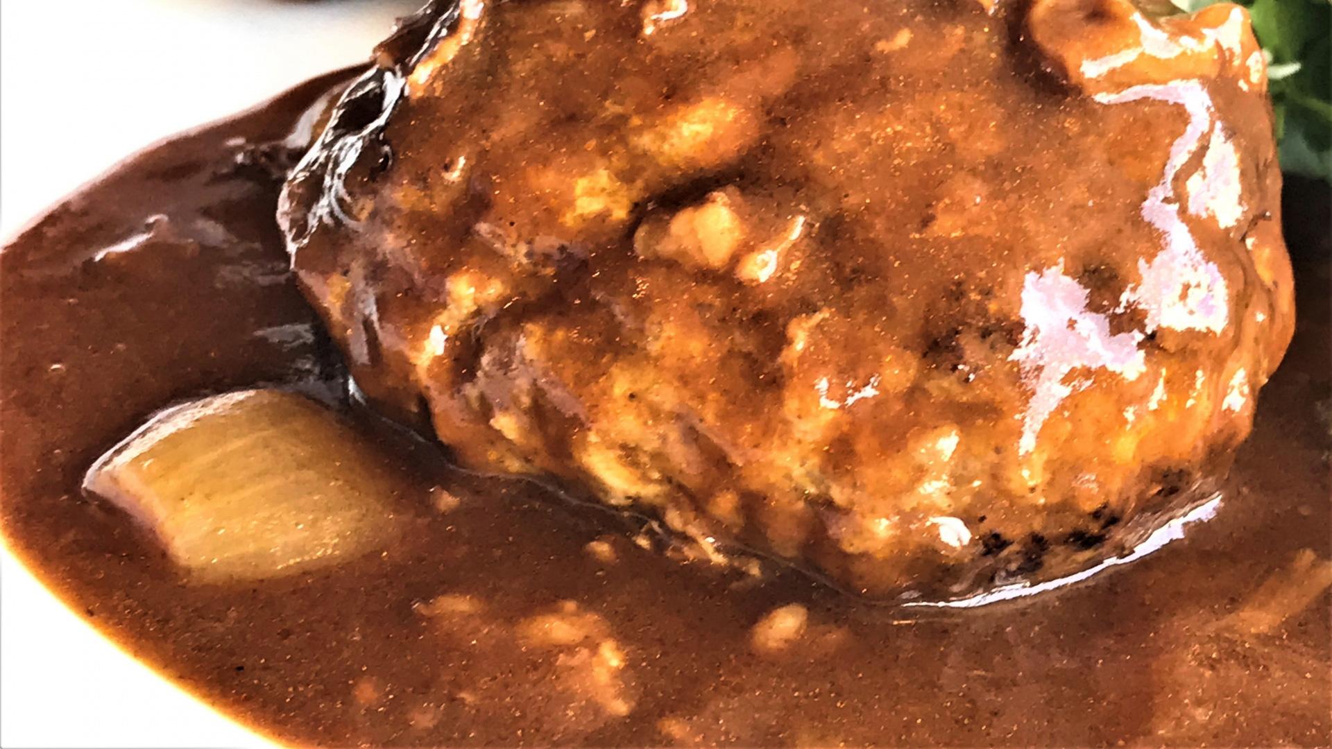 肉の万世秋葉原本店で美味しい肉料理を堪能!アクセスや営業時間は?