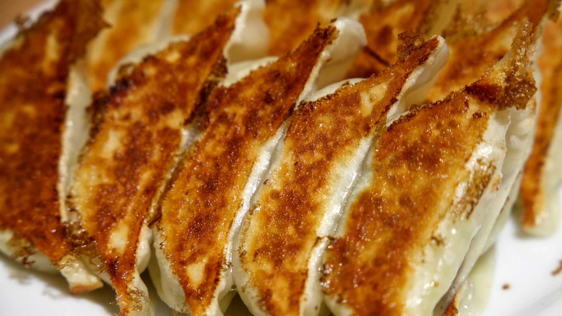 宇都宮の「みんみん」は地元で愛される餃子専門店!お土産にもおすすめの味とは