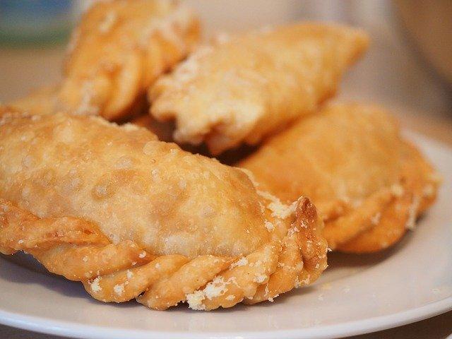 池袋・開楽本店名物「ジャンボ餃子」を堪能しよう!溢れる肉汁に舌鼓♡