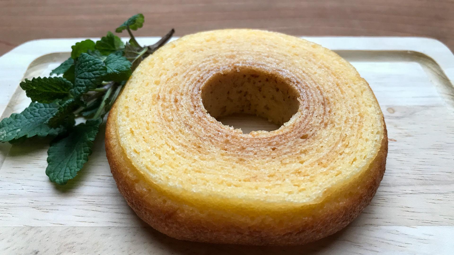 実食レポ【ローソン】「発酵バターを使ったふんわりバウム」の楽しめる素朴さ