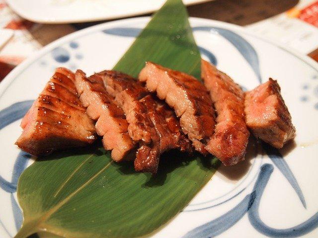 コストコの牛タンが厚切りで人気!カレーやシチューにも最適なワケとは