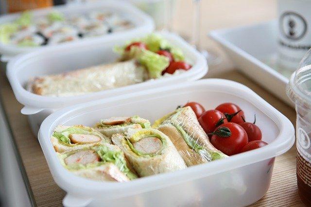 冷凍食品のお弁当なら手間いらず!お年寄りから子供まで簡単に作れる商品は?