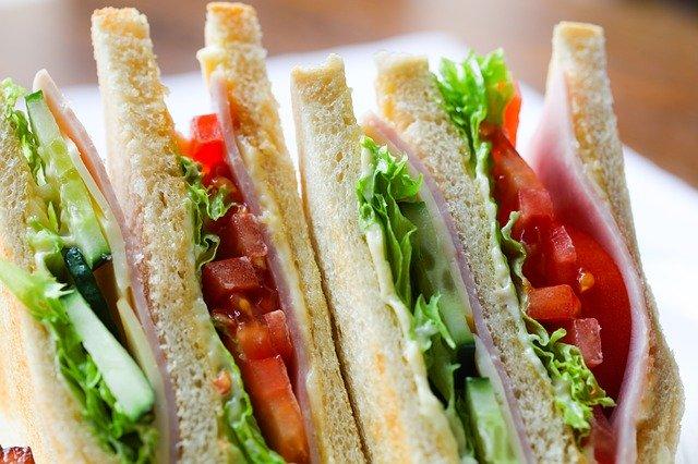 子供と作れる簡単サンドイッチのレシピ!弁当に嬉しいおすすめの具は?
