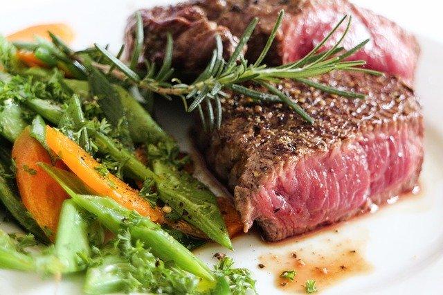 いきなりステーキのソースが家庭で楽しめる!スーパーで買える話題のたれとは?