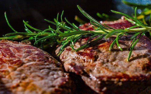 いきなりステーキの1000円以下メニューまとめ!美味しいお肉をお得に食べよう