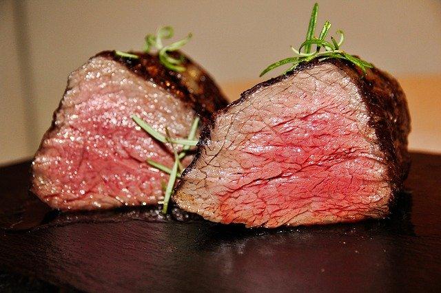 いきなりステーキの焼き加減徹底ガイド!部位別のおすすめをご紹介