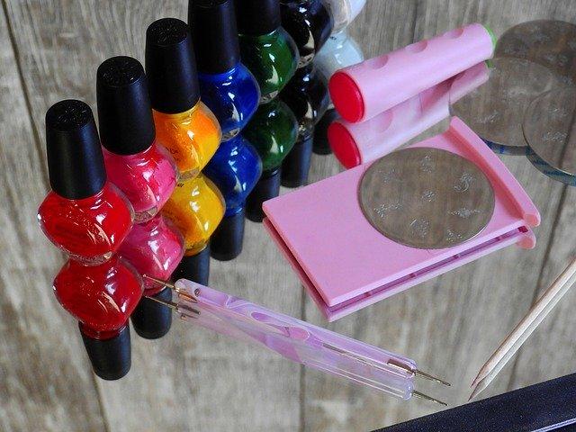 セリアのジェルネイル特集!色やおすすめデザイン・気になる持ちは?