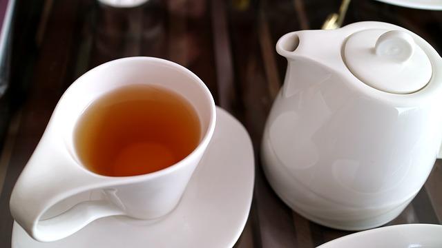 量 ウーロン茶 カフェ イン