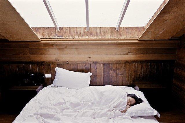 が 出る 夢 高熱 【大人で高熱が続く7つの原因】何の病気?喉の痛みや頭痛など症状別に