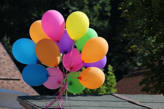 お祝いの風船