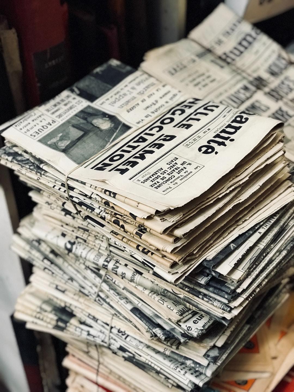 新聞紙を束ねる