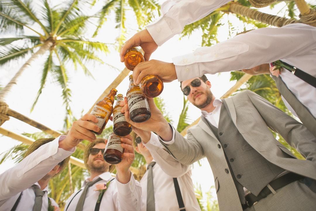 結婚式で乾杯