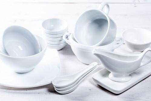 白い食器セット