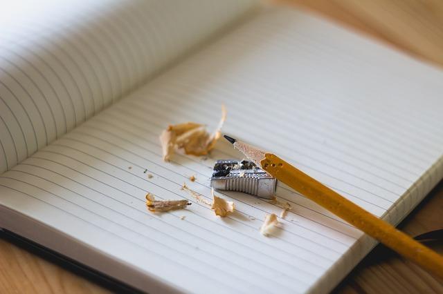 鉛筆削りとノート