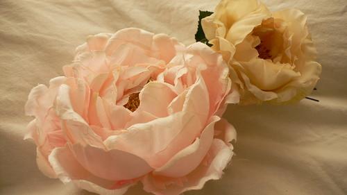 造花のコサージュ