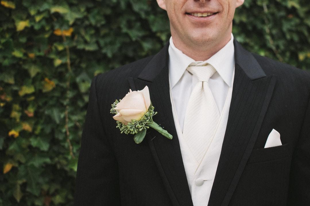結婚式のコサージュ