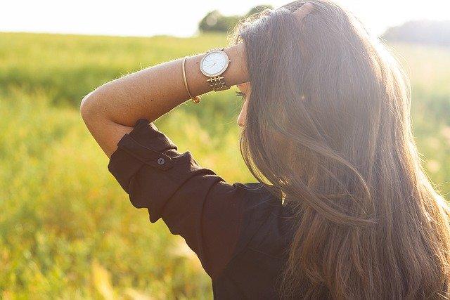 腕時計 つける 位置