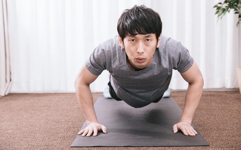 筋トレ初心者必見!自宅でできる簡単で効果的な鍛え方をご紹介! | Kuraneo