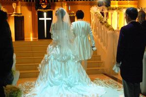 結婚相手に求める年収は最低いくら?必要な金額や結婚後の生活を検証!