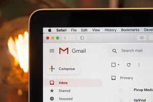 Gmailで不要メールを一括削除する方法!スマホやPCなど端末別にご紹介!