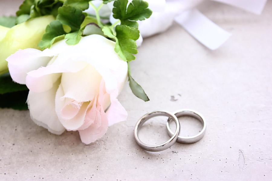 結婚指輪の選び方まとめ!男女別にポイントや失敗しない方法あり!